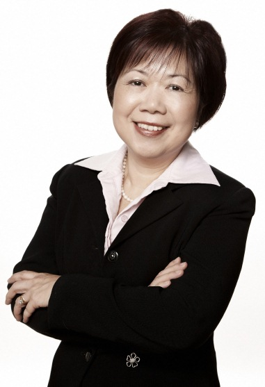 Queenie Choo (Moderator)